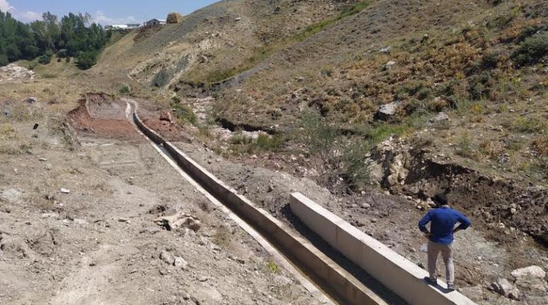 Çolpan'da yeni sulama kanalı çiftçilerin hizmetinde…