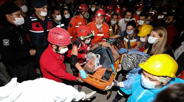 İzmir'de ölü ve yaralı sayısı artıyor...