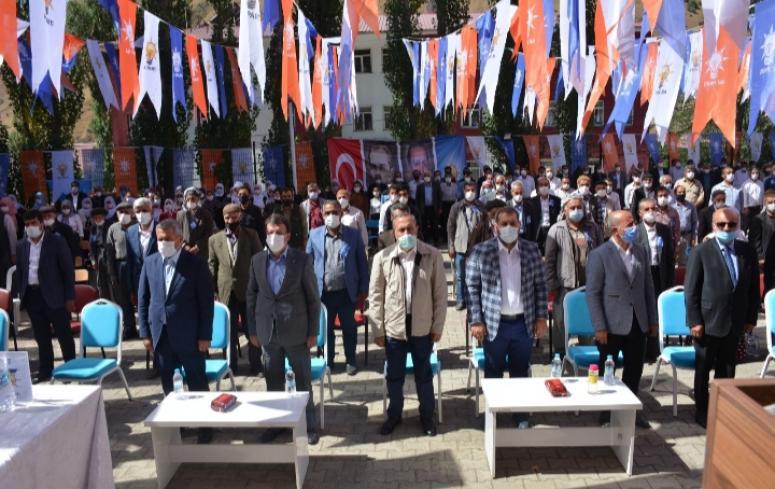 Ak Parti Bahçesaray ve Çatak kongrelerini gerçekleştirdi