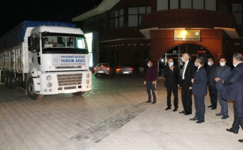 Edremit Belediyesi'nin yardım tırı İzmir'e uğurlandı