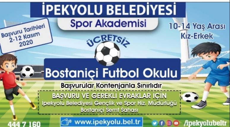Bostaniçi'ndeki gençler için futbol okulu...