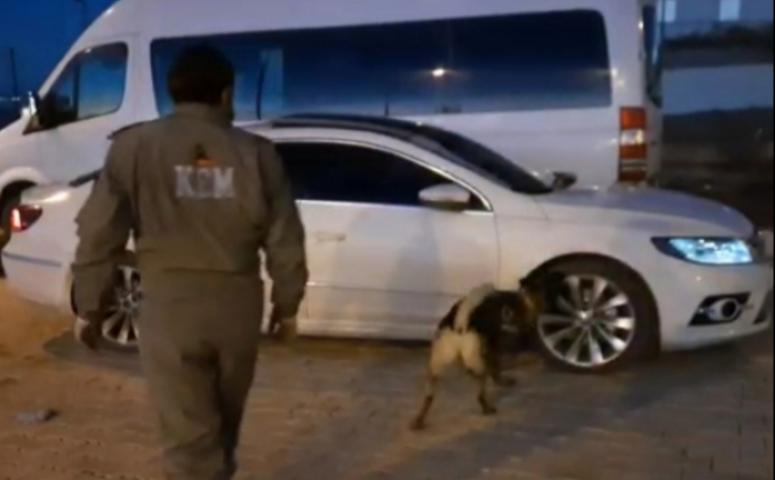 Van'da şüpheli araçta 30 kilo eroin ele geçirildi