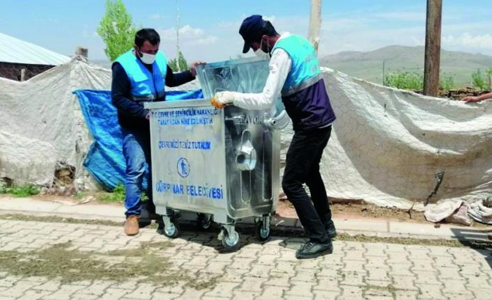 Gürpınar'daki mahallelere yeni çöp konteyneri...