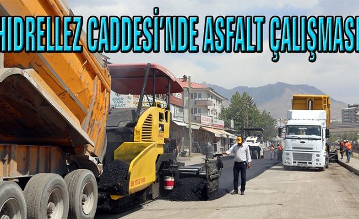 Büyükşehir, Hıdrellez Caddesi'nde asfalt serimine başladı