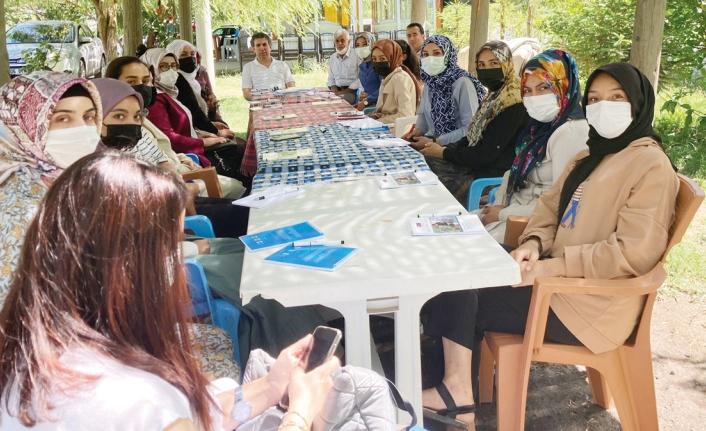 Gevaş'taki kadınlara, 'Çiftçi Okulu'nda uygulamalı eğitim…