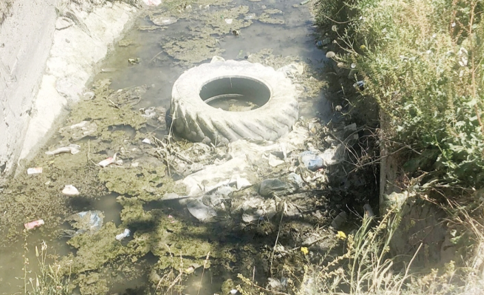 Tarihi Şamram Kanalı temizlenmeyi bekliyor