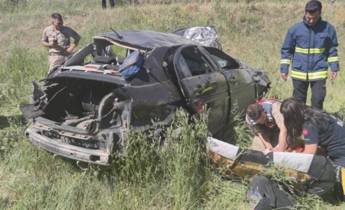 Van'da otomobil takla attı: 2 ölü, 1 yaralı