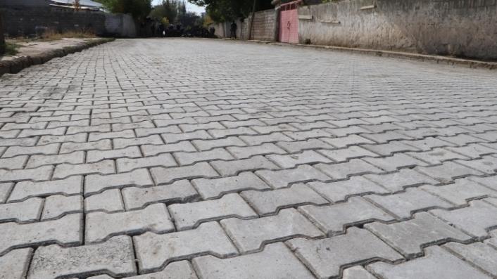 Gürpınar Belediyesi kilitli parke taşı ile yol yapacak