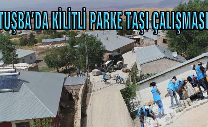 Tuşba'daki mahallelerde kilitli parke taşı çalışmaları…