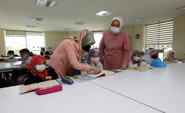Van'daki çocuklar Büyükşehir'in kurslarında Kur'an öğreniyor