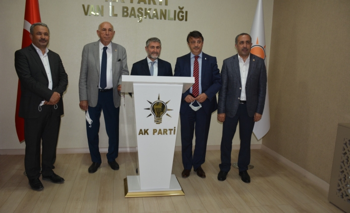 Bakan Yardımcısı Nebati'den Ak Parti'ye ziyaret