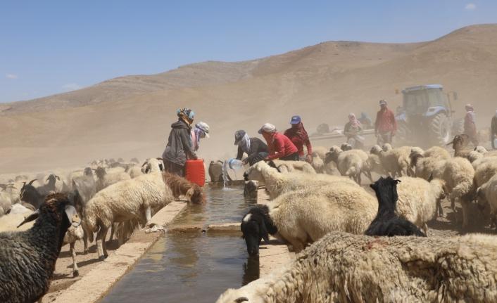 Büyükşehir çiftçileri suyla buluşturdu