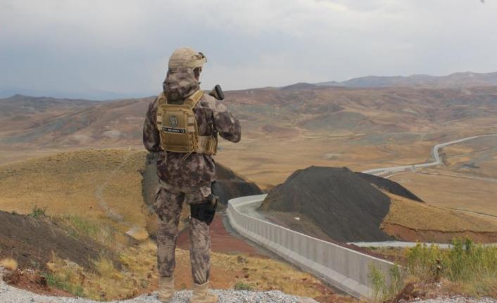 İran sınırındaki duvarlar yükseliyor
