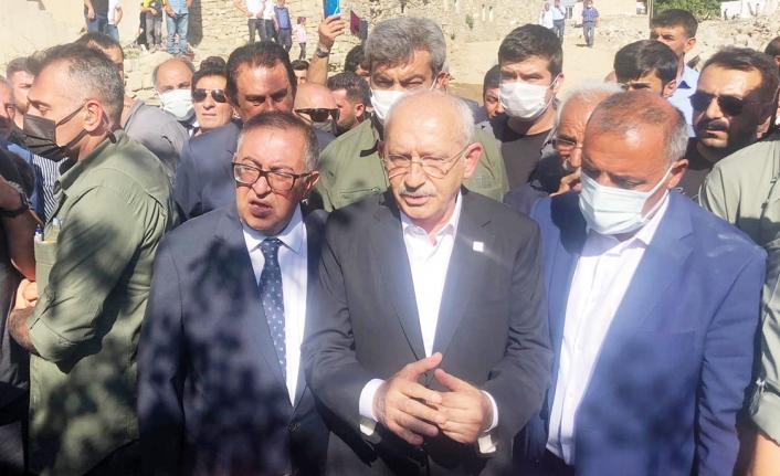 Kılıçdaroğlu Başkale'de incelemelerde bulundu