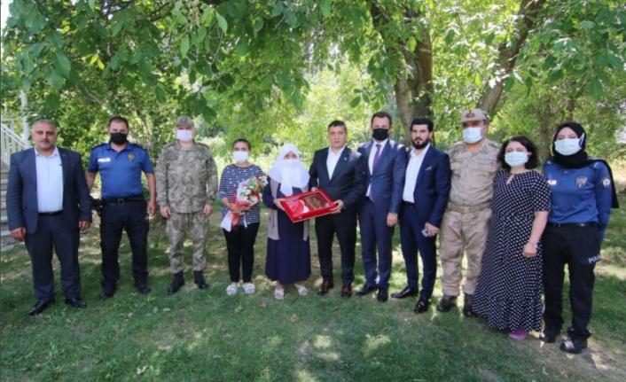 Kaymakam Mehmetbeyoğlu'ndan, şehit ailelerine ziyaret