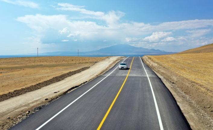 Mollakasım-Ayanıs yolunda asfalt çalışmaları tamamlandı