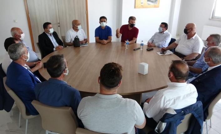 Saha Koordinatörü Dr. Akar, Vanlı kanaat önderleriyle bir araya geldi