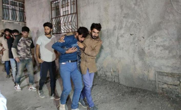 Van'da göçmenlerin kaldığı eve operasyon