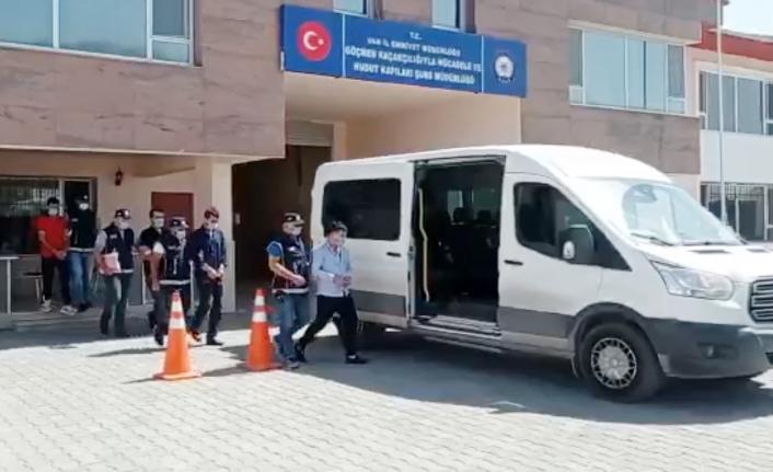 Van'da otel sahipleri ve organizatör tutuklandı