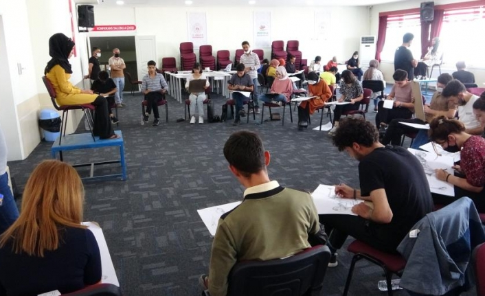Vanlı öğrenciler yetenek sınavlarına hazırlanıyor