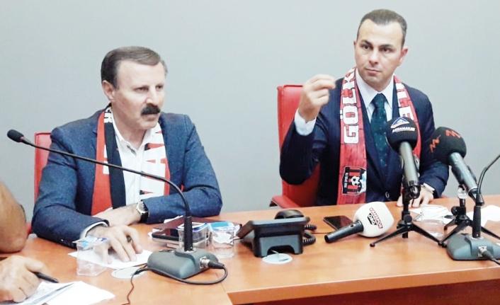 Vanspor'un yeni başkanı gazetecilerle bir araya geldi