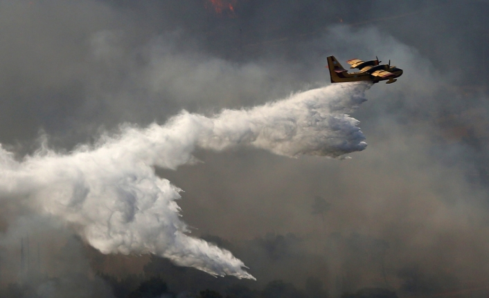 Yangın söndürme uçağı düştü