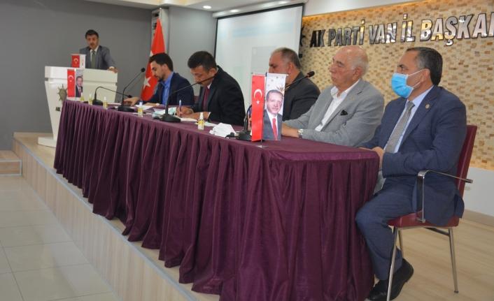 Ak Parti Genel Başkan Yardımcısı Hamza Dağ Van'a geldi