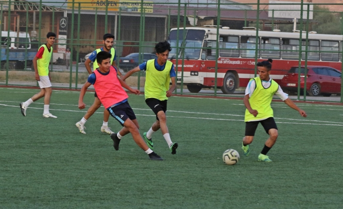 Büyükşehir'in futbol takımları çalışmalara başladı