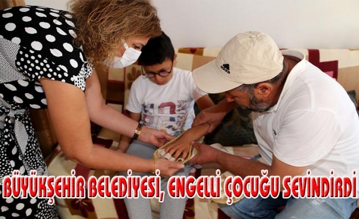 Engelli çocuğa medikal malzeme desteği...