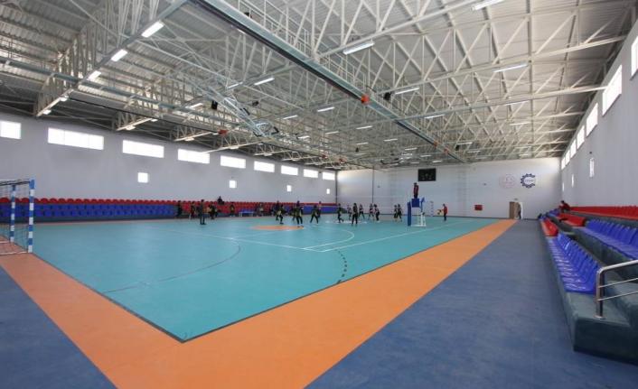 Muradiye'de gençlik merkezi ve kapalı spor salonu yapılacak