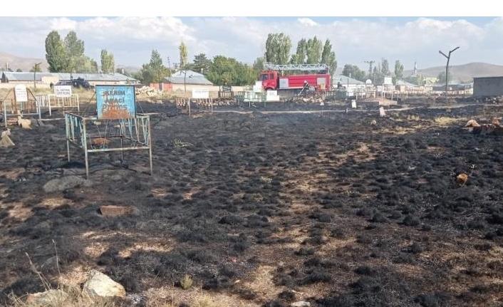 Saray'da mezarlık yangını