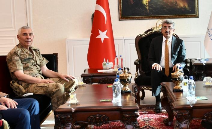 Tuğgeneral Bekmez'den Vali Bilmez'e ziyaret
