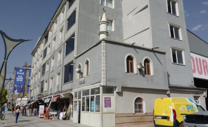 Türkiye'de benzeri olmayan cami, vatandaşların ilgisini çekiyor