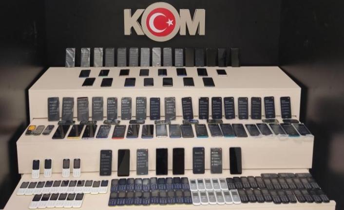 Van'da 164 adet cep telefonu ele geçirildi