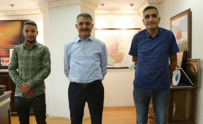 Vanlı Gazeteci Çurku'dan Vali Özkan'a ziyaret