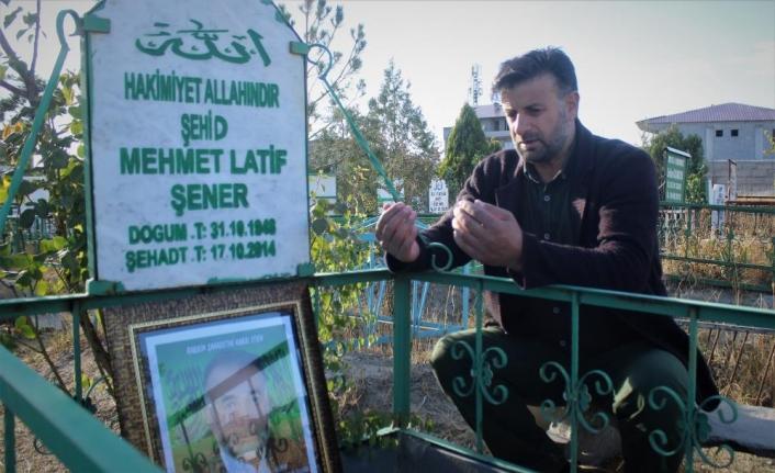 Mehmet Latif Şener kabri başında anıldı