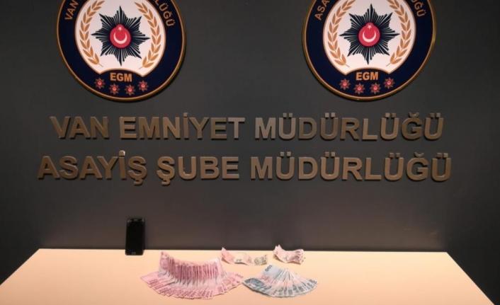 Van'da değişik suçlardan aranan 19 kişi tutuklandı