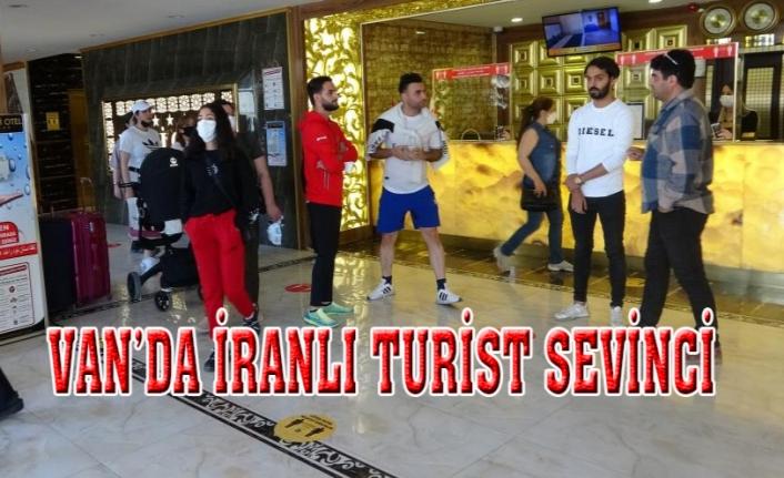 Van'da İranlı turist sevinci