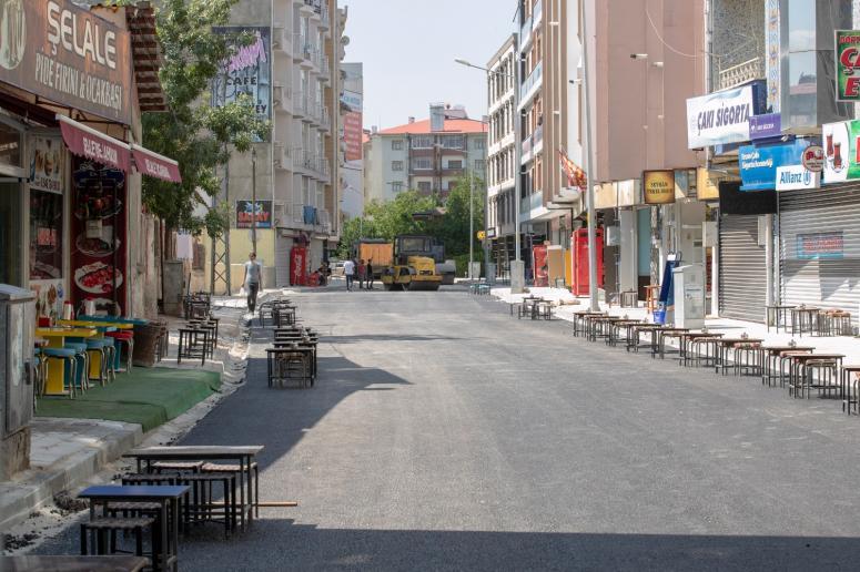 İpekyolu'nda cadde ve sokaklar konforlu hale getiriliyor
