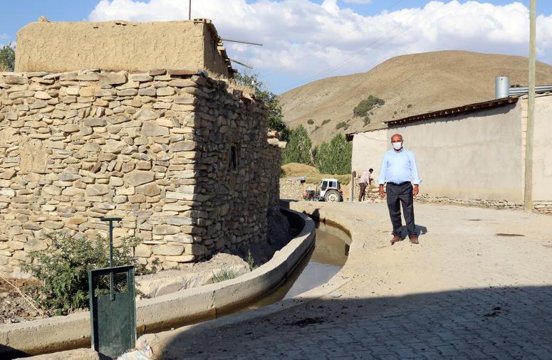 Gürpınar'daki Bozyiğit mahallesinin sulama kanalı tamamlandı