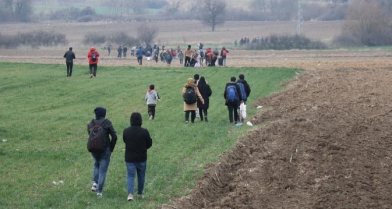 Mülteciler akın akın gitmeye başladı