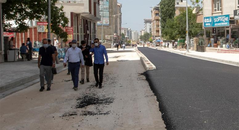 Başkan Vekili Aslan, Koçibey Caddesi'ndeki çalışmaları yerinde inceledi