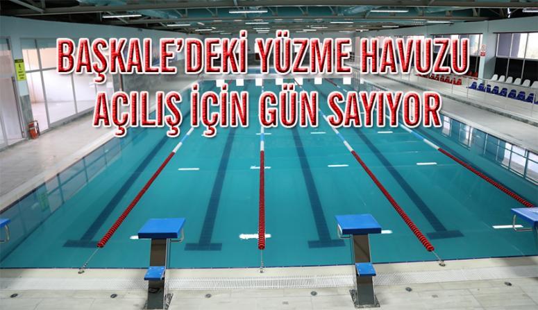 Kaymakam Solak, yarı olimpik yüzme havuzunu inceledi