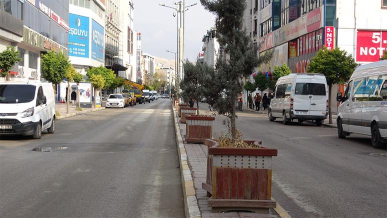 Kısıtlama kalktı, ama yine caddeler boş kaldı