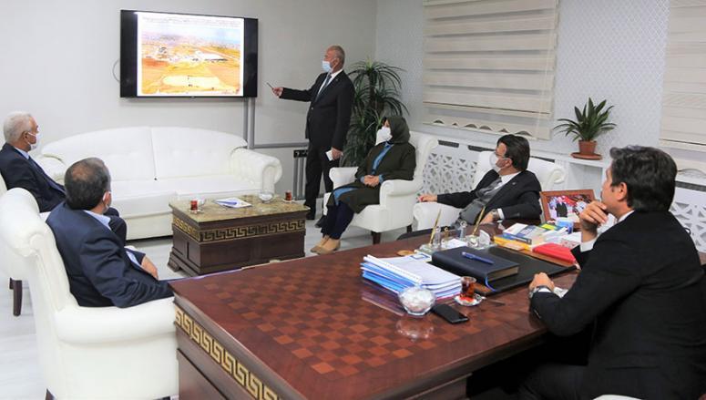 Ak Parti Grup Başkan Vekili Özkan'dan, Tuşba Belediyesi'ne ziyaret…