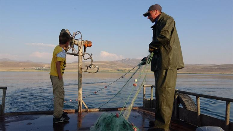 Van'daki balıkçılar yeni sezondan umutlu...