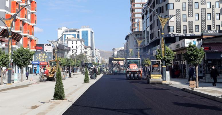 Hacıbekir Caddesi'nde ikinci etap asfalta kavuştu