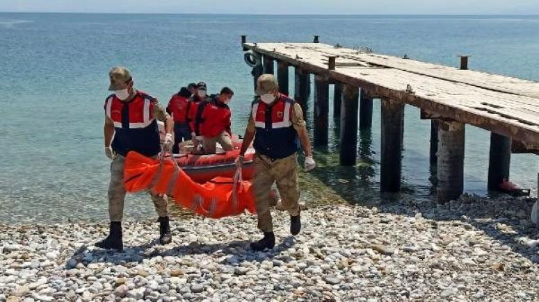 Van Gölü'nde çıkarılan ceset sayısı 59'a yükseldi