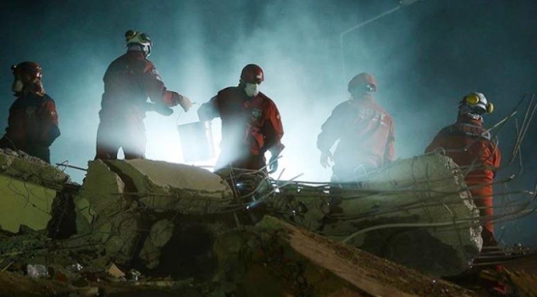 İzmir'deki deprem'de can kaybı 91'e yükseldi