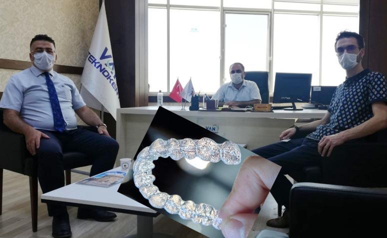 YYÜ Diş Hekimliği Fakültesi'nde, şeffaf plak tedavisi...